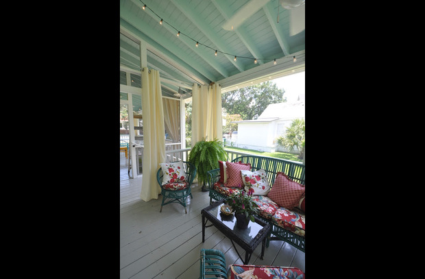 Front porch like another room